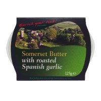 Enrich your food! Farmhouse butter with roasted garlic