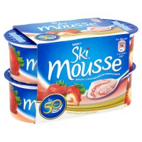 Ski mousse strawberry with strawberry sauce
