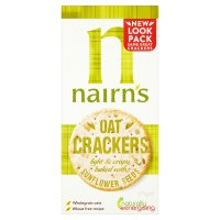 Nairn's oat cracker thins with sunflower seeds