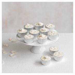 12 Grace Golden Sponge  Ivory Cupcakes